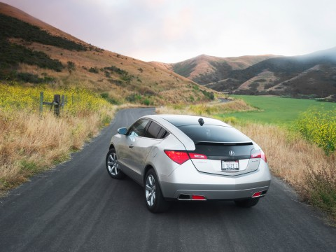 Technical specifications and characteristics for【Acura ZDX】