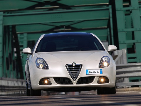 Technical specifications and characteristics for【Alfa Romeo Giulietta (Type 940)】