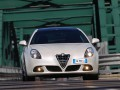 Alfa Romeo Giulietta Giulietta (Type 940) 1.750 TB (235 Hp) full technical specifications and fuel consumption