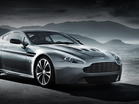 Technical specifications and characteristics for【Aston Martin V12 Vantage】