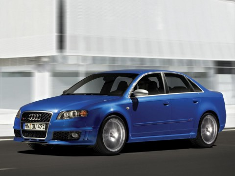 Caractéristiques techniques de Audi RS4 Salon (8E)