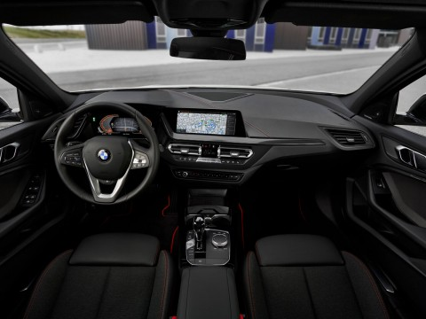 Technical specifications and characteristics for【BMW 1er III (F40)】