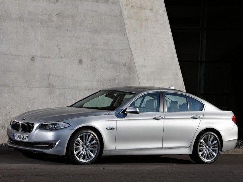 Technical specifications and characteristics for【BMW 5er Sedan (F10)】