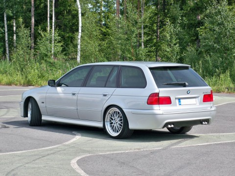 Technical specifications and characteristics for【BMW 5er Touring (E39)】