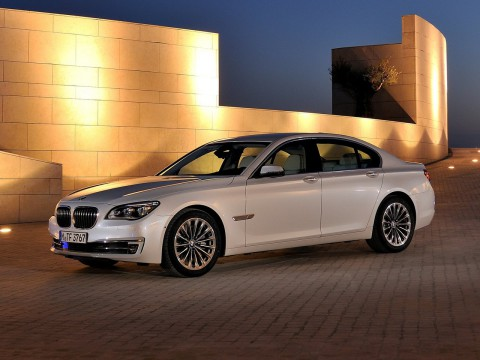 Technical specifications and characteristics for【BMW 7er (F01)】