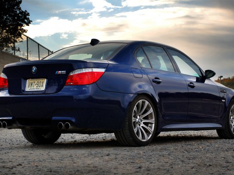 Technical specifications and characteristics for【BMW M5 (E60)】