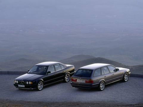 Technische Daten und Spezifikationen für BMW M5 Touring (E34)