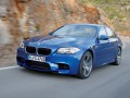 Specificaţiile tehnice ale automobilului şi consumul de combustibil BMW M5