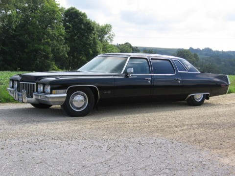 Technical specifications and characteristics for【Cadillac Fleetwood】