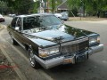 Technical specifications of the car and fuel economy of Cadillac Fleetwood