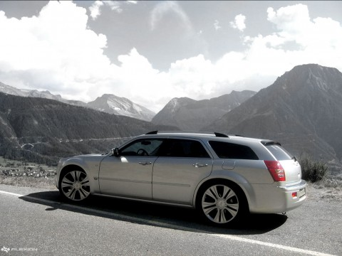 Technical specifications and characteristics for【Chrysler 300C Touring】