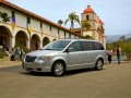 Technical specifications of the car and fuel economy of Chrysler Town & Country