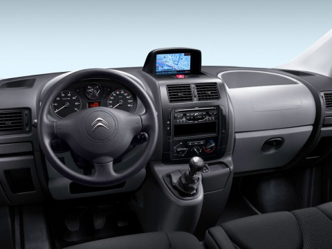 Technical specifications and characteristics for【Citroen Jumpy II】