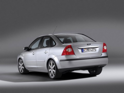 Caratteristiche tecniche di Ford Focus II Sedan