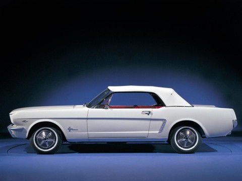 Technical specifications and characteristics for【Ford Mustang Convertible I】