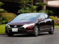 Technical specifications of the car and fuel economy of Honda FCX Clarity