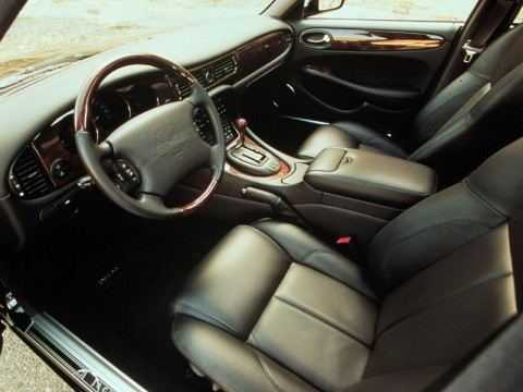 Technical specifications and characteristics for【Jaguar XJR】