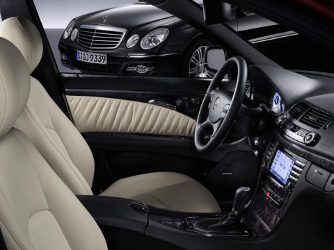 Technical specifications and characteristics for【Mercedes-Benz E-klasse T-mod. (S211)】