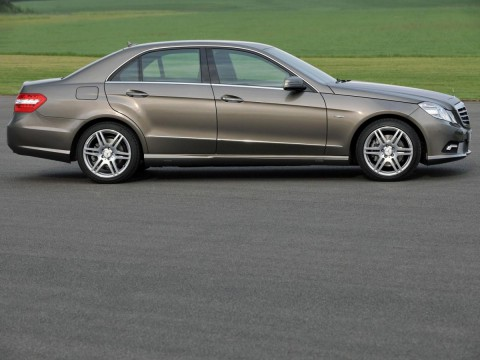 Technical specifications and characteristics for【Mercedes-Benz E-klasse (W212)】