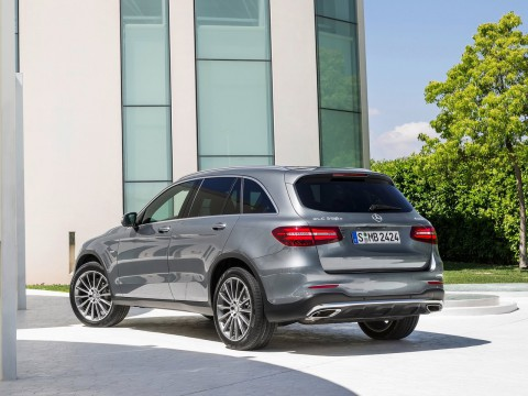 Technical specifications and characteristics for【Mercedes-Benz GLC-klasse I (X235)】