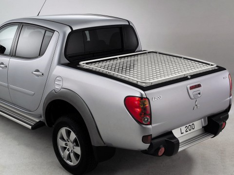 Technical specifications and characteristics for【Mitsubishi L 200 IV】