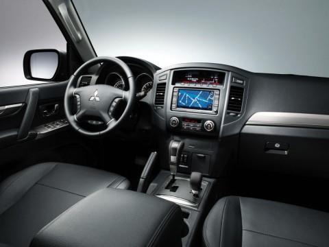 Caratteristiche tecniche di Mitsubishi Pajero IV
