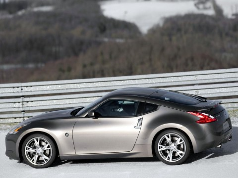 Technical specifications and characteristics for【Nissan 370Z】