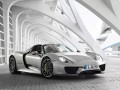 Technical specifications of the car and fuel economy of Porsche 918