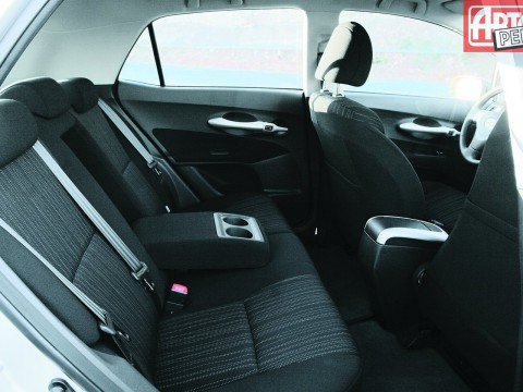 Technical specifications and characteristics for【Toyota Auris】