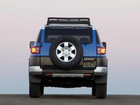 Technical specifications and characteristics for【Toyota FJ Cruiser】