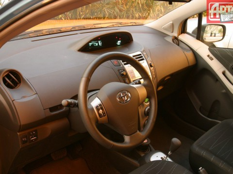 Technical specifications and characteristics for【Toyota Yaris (P2)】