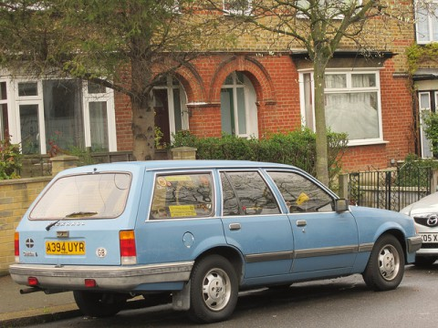 Technical specifications and characteristics for【Vauxhall Carlton Mk II Estate】