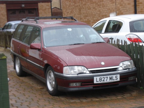 Caractéristiques techniques de Vauxhall Carlton Mk III Estate